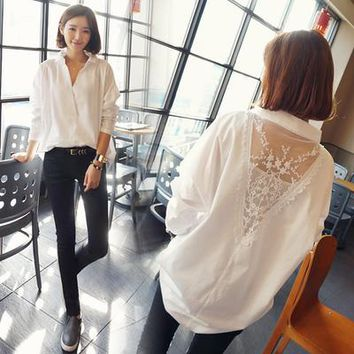 Plus Size 2017 Autumn Women Shirts Patchwork Loose Full Sleeve Lace Long Send Wrapped In Chest Blouse Shirt White 009