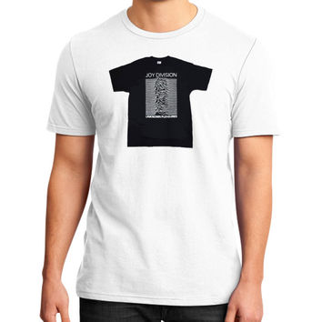 Joy Division - Unknown Pleasures District T-Shirt (on man)