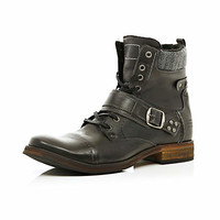 BLACK CONTRAST TRIM BUCKLE MILITARY BOOTS