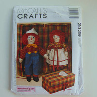 McCall' Crafts 2439 20 inch Raggedy Ann and Andy Dolls with Carrying Case Sewing Pattern UNCUT