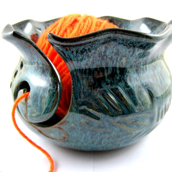 Large Pottery yarn Bowl, Knitting bowl- In stock