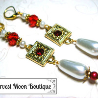 White Pearl Wedding Jewelry Red Crystal Wedding Earrings Pearl Bridal Earrings Handfasting Jewelry Gold Wedding Jewelry Tudor Renaissance