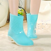 Winter fashion sweet women rain boots / free shipping in the tube big yards ladies slip waterproof rubber boots to keep warm