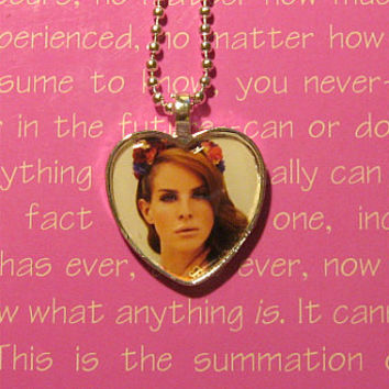 Lana Del Rey heart pendant necklace by Lollydrops on Etsy