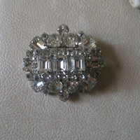 GORGEOUS 40S Signed Weiss clear rhinestones  emerald cut and round 3 tier brooch