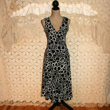 Black & White Circle Print Dress Sleeveless Dress Fitted Summer Dress Geometric Print V Neck Talbots Size 8 Size 10 M Medium Womens Clothing