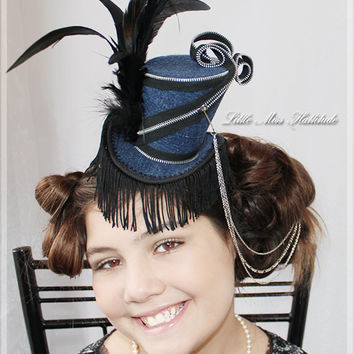 Feather Top Hat, Mini Hat Fascinator, Tea Party Hat , Mini Top Hats, Hair Accessories, Blue Top Hat, Mad Hatter Hat , Mini Hats , Top Hats