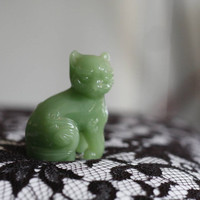FREE SHIPPING......Vintage Faux Green Jade Foo Dog Figurine