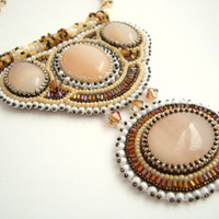 Sorriso Handmade Embroidery Beadwork Agate Necklace one of a kind