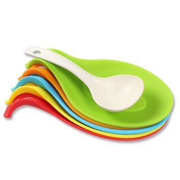 1PC Silicone Spoon Rest  Sweet Color 19.5*10*0.2cm Spatula Holder Heat resistant with hook MIni Cup Mat Useful Kitchen Gadgets
