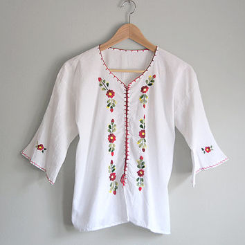 Vintage Embroidered Bohemian Top - White Peasant Blouse - Boho Free People Style - 70s