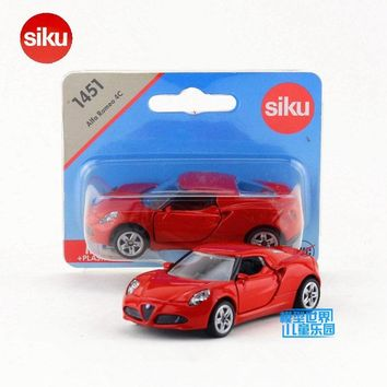 SIKU 1451/Diecast Metal Model/Alfa Romeo 4C Sport/Educational German Toy Car for children's gift or Collection/Small