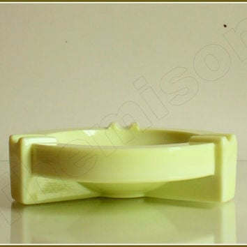 Art deco colopal pressed glass ashtray by Andries Copier. 1934, Leerdam, Holland.