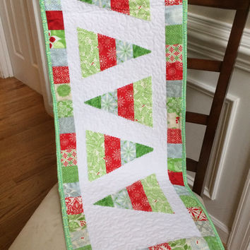 Quilted Christmas table runner, Christmas tree table runner, Christmas table topper