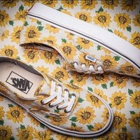 Vans Sunflower Chrysanthemum Printing Canvas Skate Shoes One-nice™