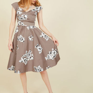 Stop Staring! Pine All Mine Midi Dress in Illustrated Roses | Mod Retro Vintage Dresses | ModCloth.com
