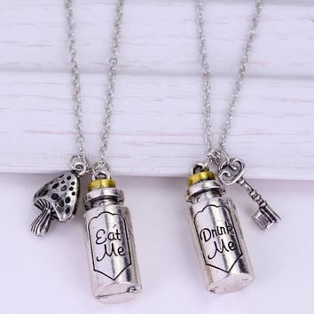 M2 Hot Sale Alice In Wonderland Pendant Necklace Eat Me Drink Me Charm Alloy Bottle Pendant Necklace For Men And Women
