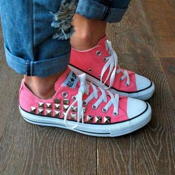 CREYUG7 Studded Converse Sneakers - Coral/Pink Converse Low Top Converse All Star Chucks Sneak