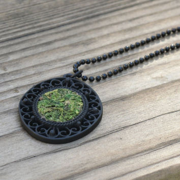 Eco Friendly Moss Necklace, Terrarium Necklace, Living Plant Jewelry, Garden Gift, Earth Day Necklace
