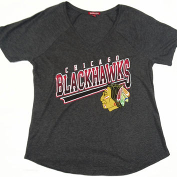 Chicago Blackhawks Mitchell & Ness Short Sleeve V Neck T Shirt Womens Size M