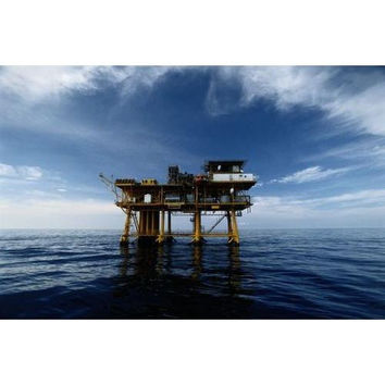 A gas platform in the Gulf of Mexico at Flower Gardens National Marine Sanctuary.