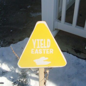 Outdoor Yield Easter Bunny Sign