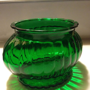 Vintage Emerald  ALR Co Glass Short Vase Emerald Green Ruffled Rim Ribbed R 18 1950s