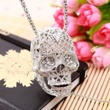 Skull Necklace Fashion Vintage European Jewelry Hollow Crystal Long Sweater Chain Pendant Skull Necklace WUU5000