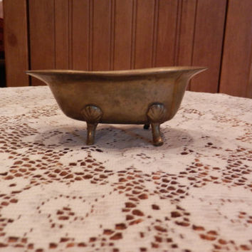 Vintage Solid Brass Footed Miniature Bath Tub Soap Dish Trinket Dollhouse Figurine