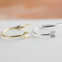 arrow ring in silver / gold