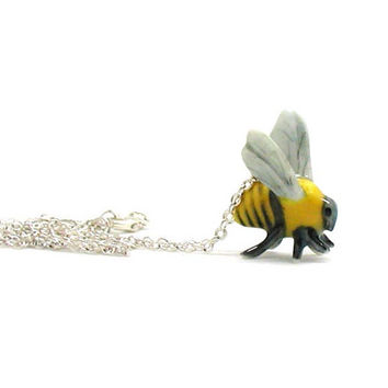 Bumble Bee Necklace, Honeybee Necklace, Charm Jewelry, Honeybee Charm, Dainty Bee Necklace, Bee Jewelry, Dainty Bumble Bee Necklace