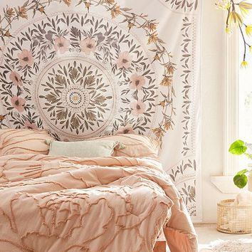 Sketched Floral Medallion Tapestry   Urban Outfitters