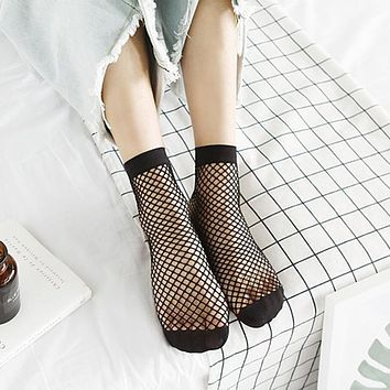 Women Sexy Black Hollow Out Breathable Mesh Fishnet Socks Female Ankle Socks 2017
