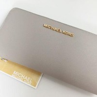 MICHAEL KORS Travel Zip Around Wallet grey