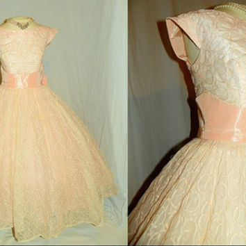 1950's PINK Organza Silk  Embroidery Cocktail Dress Vintage 50's Cupcake Bridal Taffeta Sash Bow Tulle Mad Men Couture Wedding Party Dress