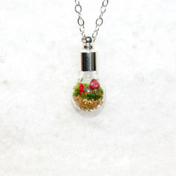Lost World Mini Terrarium Necklace for Spring bulb by Hieropice