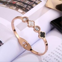 ONETOW Van Cleef & Arpels Fashion Titanium Steel Double Clover Bracelet Female Rose Gold Bracelet Jewelry
