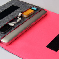 "15"" inch Apple Macbook Pro laptop Organizer Case Cover - Gray & Hot Pink - Weird.Old.Snail"