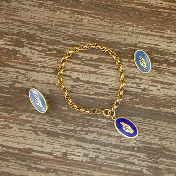 Vintage Girl Scout Bracelet and 2 Pins, Brownie Two Finger Salute, Gold Tone Blue Enamel, WAGGS Girl Guides, Brownie Promise, Friendship Pin