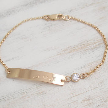 Nameplate Gold Bar Bracelet, CZ Bezel stone, 14K Gold Filled, Rolo Chain,Personalized Bar Bracelet,Choose font and Initials/Name/Date Custom