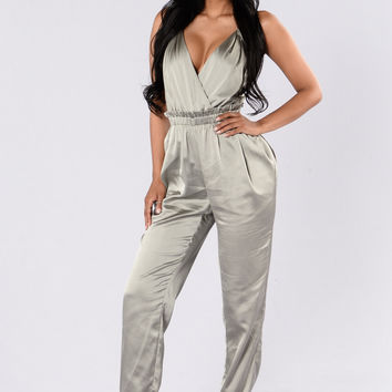 Think I'm In Love Jumpsuit - Olive