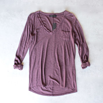 Michelle by Comune - 'Modesto' V-Neck Jersey Tee in Port Royal
