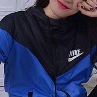 Nike Women Hooded Sweatshirt Windbreaker Jacket Coat