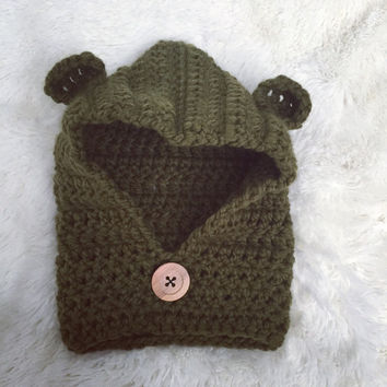 Gender Neutral Chunky Hooded Cowl with Button, Boy/Girl Winter Accessories, Crochet Hooded Cowl, Children's Winter Hats
