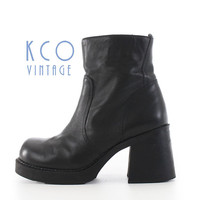 Black Platform Boots 6 90's Vintage Leather Ankle Boot / 1990's Grunge Goth Chunky Block Heel Shoes Women's Sizes US 6 / UK 4 // EUR 36 - 37