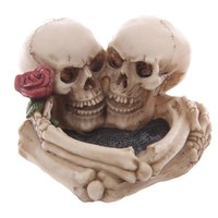 1Piece Love Never Dies Eternal Skeleton Couple With Rose Cigaretter Heart Ashtray Resin Figurine Skull Decoration