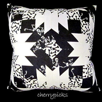 Dia De Los Muertos - Day of the Dead - Skeleton - Quilted Pillow