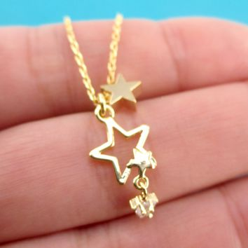 Small Star Outline Shaped Pendant with Dangling Rhinestone Stars Choker Necklace in Gold