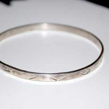 Vintage Sterling Silver Embossed Diamond Bangle from Mexico