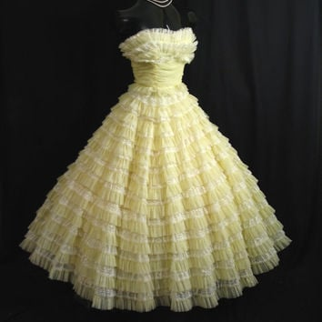 Vintage 1950's 50s STRAPLESS Bombshell Cupcake Lemon Yellow Chiffon Organza Lace Tiered Party Prom Wedding Dress